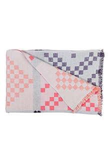 HAY Mega Knit blanket