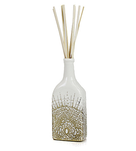 D.L. & CO White Soleil Essence of Florets home diffuser