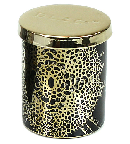 D.L. & CO Essence Of Florets black tumbler candle