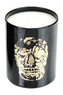 D.L. & CO Delft Skull black tumbler candle
