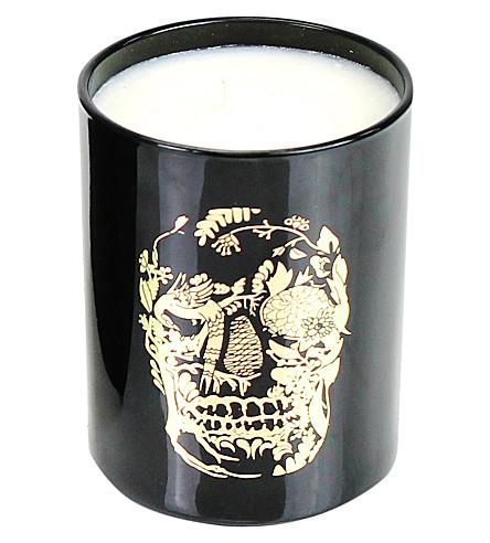 D.L. & CO Delft Skull black tumbler candle