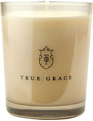 TRUE GRACE Classic Blackcurrant Leaves candle