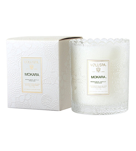 VOLUSPA Japonica scalloped-edge mokara candle