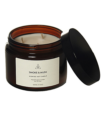 EARL OF EAST Smoke & Musk soy wax candle 500ml