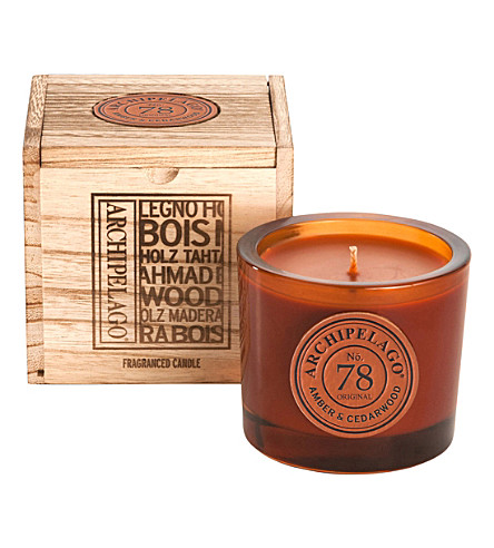 ARCHIPELAGO Amber and cedarwood boxed soy candle