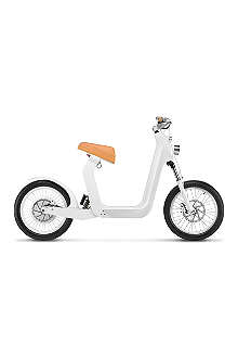 XKUTY XKuty One 30 miles autonomy fully integrated iPhone electric bike with UK vehicle registration