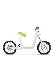 XKUTY XKuty One 60 miles autonomy fully integrated iPhone electric bike with UK vehicle registration