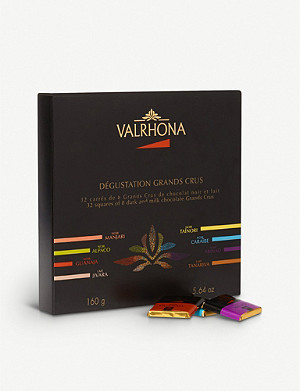 VALRHONA Box of 32 chocolate squares 160g