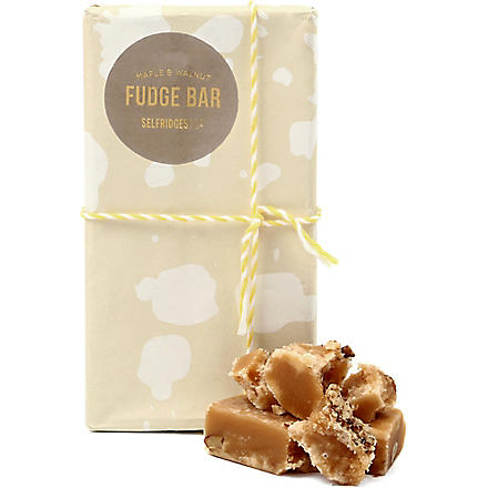 SELFRIDGES SELECTION Maple & Walnut fudge bar