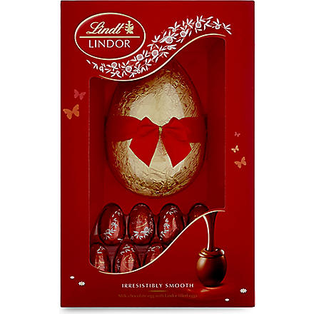 LINDT Milk chocolate Easter egg with Lindor mini eggs 322g