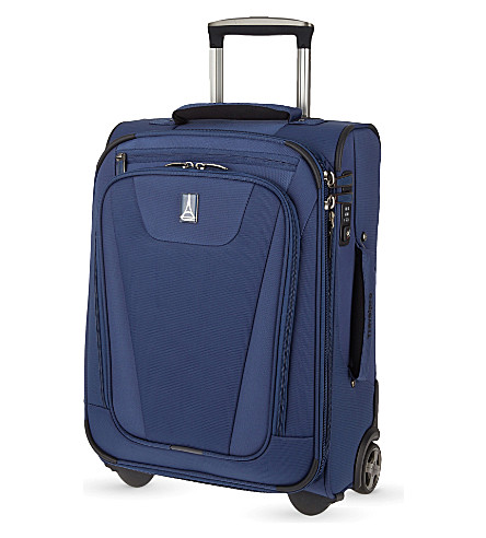 TRAVELPRO Maxlite 4 Rollaboard two-wheel expandable suitcase 57cm (Blue