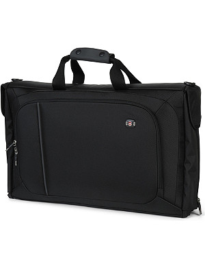 VICTORINOX Werks 4.0 tri–fold garment bag