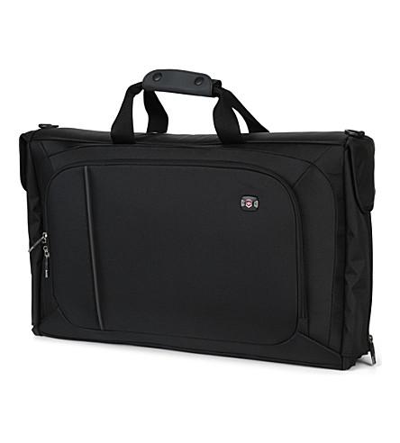 VICTORINOX Werks 4.0 tri–fold garment bag (Black