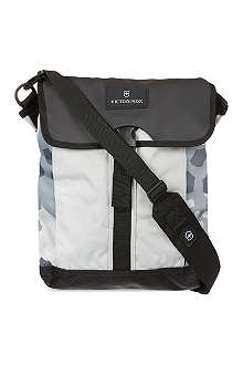VICTORINOX Altmont digital shoulder bag