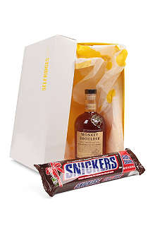 SELFRIDGES SELECTION Whisky and Giant Snickers gift set 700ml