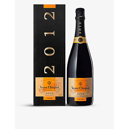 VEUVE CLICQUOT Ponsardin Vintage with gift box 750ml