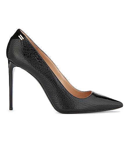 ROLAND MOURET Hero II patent leather pumps (Black/black