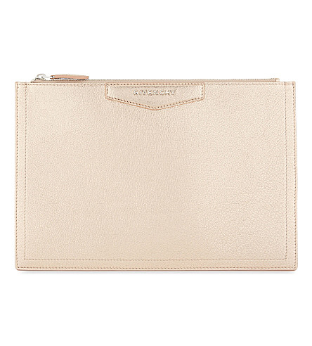 GIVENCHY Antigona medium metallic leather pouch (Gold
