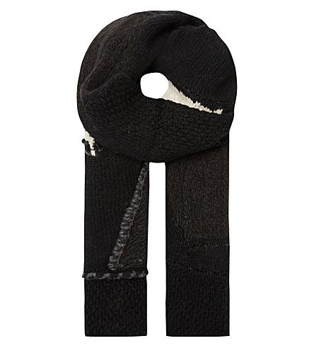 ISABEL BENENATO Chunky patch scarf (Black/white