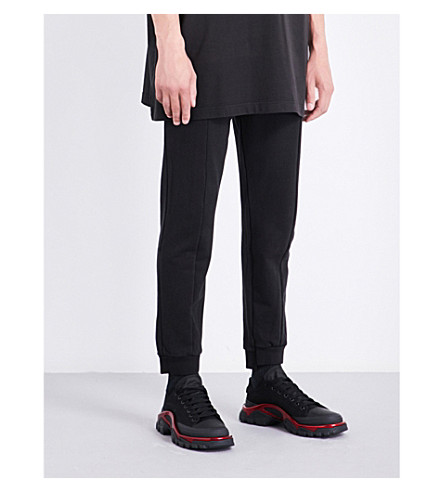 VETEMENTS Tapered cropped mid-rise stretch-cotton jogging bottoms (Black