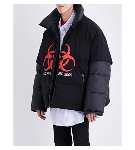VETEMENTS T-shirt-overlay shell puffa jacket (Black