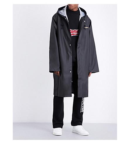 VETEMENTS Logo-print hooded shell coat (Black