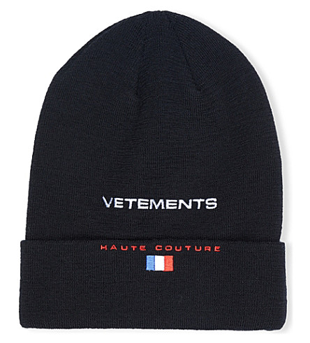 VETEMENTS Logo-embroidered cotton beanie (Black