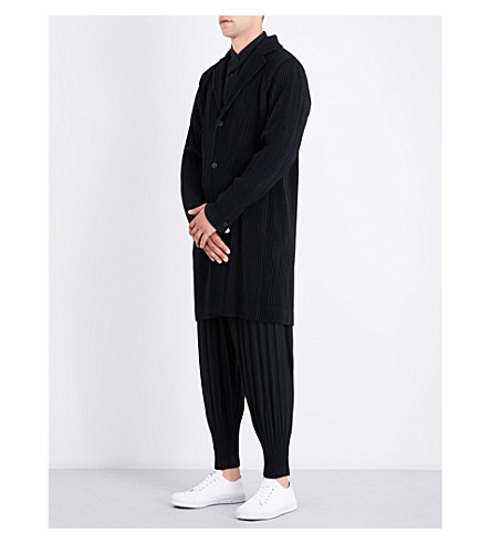 HOMME PLISSE ISSEY MIYAKE Pleated woven coat (Black