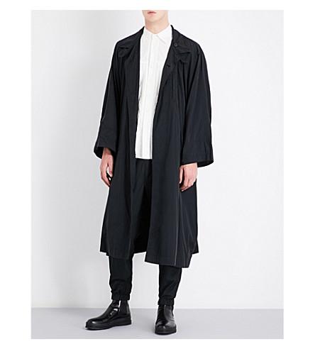 ISSEY MIYAKE Batwing-sleeve oversized shell coat (Black