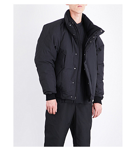 ISSEY MIYAKE Puffer shell down bomber jacket (Black