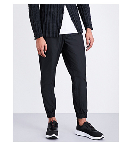 ISSEY MIYAKE Textured woven jogging bottoms (Black