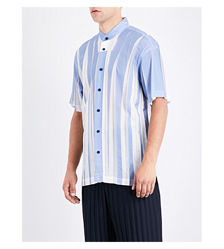 ISSEY MIYAKE Wrinkle pleated short-sleeved shirt (Light+blue