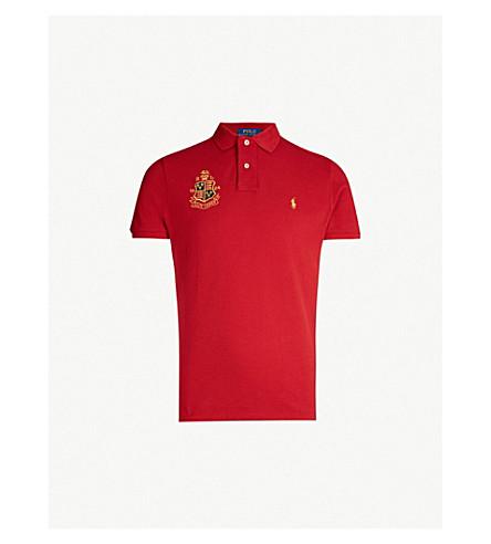 POLO RALPH LAUREN 修身版型棉质珠地布 Polo 衫 (伊顿 + 红