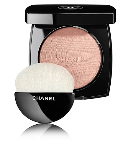 CHANEL <strong>POUDRE LUMIÈRE</strong> Illuminating Powder 8.5g (Rosy+gold