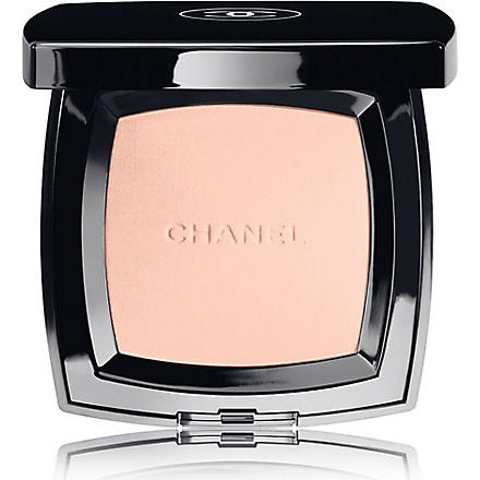 CHANEL POUDRE UNIVERSELLE COMPACTE  Natural Finish Pressed Powder (Preface
