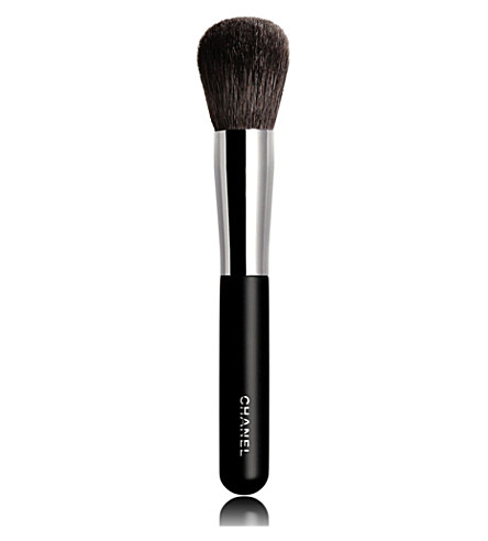 CHANEL <strong>PINCEAU POUDRE</strong> N&deg;1 Powder Brush