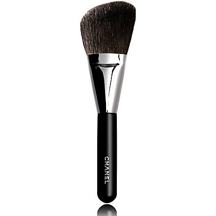 CHANEL PINCEAU POUDRES BISEAUTÉ N°2 Angled Powder Brush