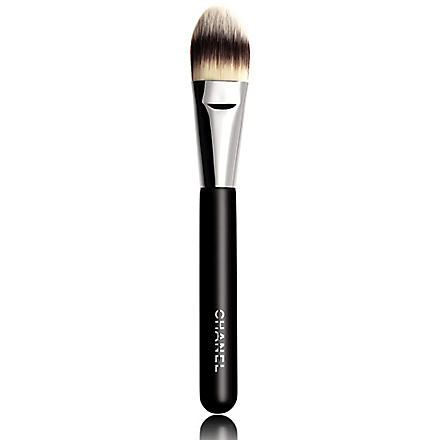 CHANEL PINCEAU FOND DE TEINT N°6 Foundation Brush