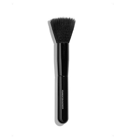 CHANEL <strong>PINCEAU ESTOMPE TEINT </strong>Foundation-Blending Brush