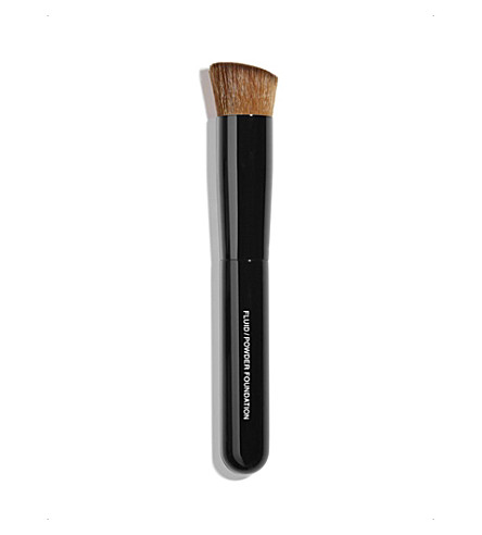 CHANEL <strong>PINCEAU TEINT</strong> 2-In-1 Foundation Brush Fluid And Powder