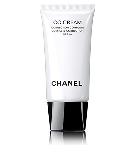 CHANEL <strong>CC Cream</strong> Complete Correction SPF 50 (Beige10