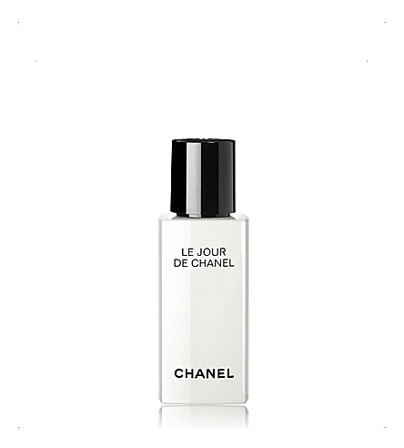 CHANEL <strong>LE JOUR DE CHANEL REACTIVATE</strong> Morning Reactivating Face Care