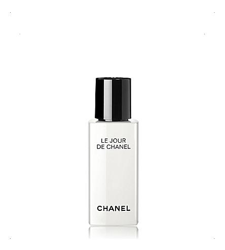 CHANEL <strong>LE JOUR DE CHANEL REACTIVATE</strong> Morning Reactivating Face Care