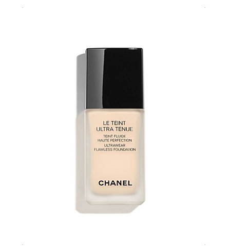 CHANEL <strong>LE TEINT ULTRA TENUE</strong> Ultrawear Flawless Foundation Beige Rosé 22 (Beige+rose+22