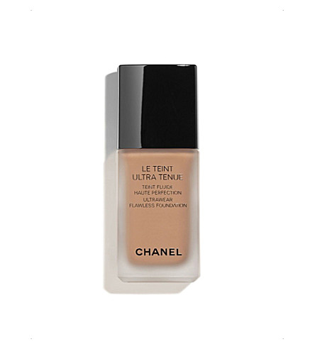 CHANEL <strong>LE TEINT ULTRA TENUE</strong> Ultrawear Flawless Foundation Chocolate 132 (Chocolate+132