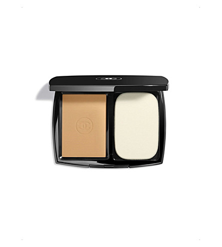 CHANEL <strong>LE TEINT ULTRA TENUE</strong> Ultrawear Flawless Compact Foundation SPF 15 Caramel 91 (Caramel+91
