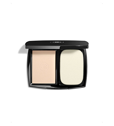 CHANEL <strong>LE TEINT ULTRA TENUE</strong> Ultrawear Flawless Compact Foundation SPF 15 Beige Rosé 12 (Beige+rose+12