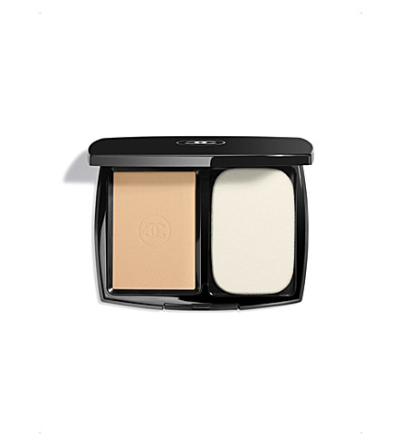 CHANEL <strong>LE TEINT ULTRA TENUE</strong> Ultrawear Flawless Compact Foundation SPF 15 Beige 60 (Beige+60