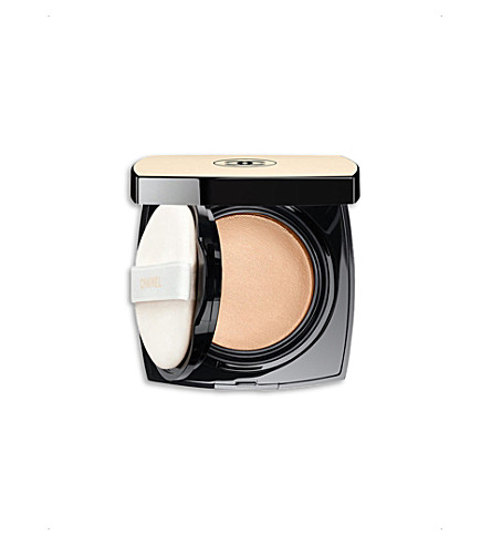 CHANEL <strong>LES BEIGES</strong> Healthy Glow Luminous Colour (10