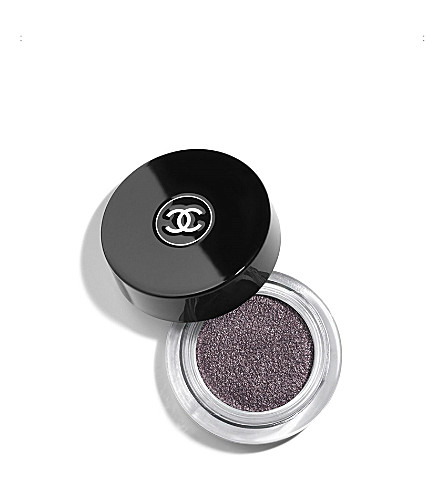 CHANEL <strong>ILLUSION D'OMBRE</strong> Long Wear Luminous Eyeshadow – Illusoire (Illusoire